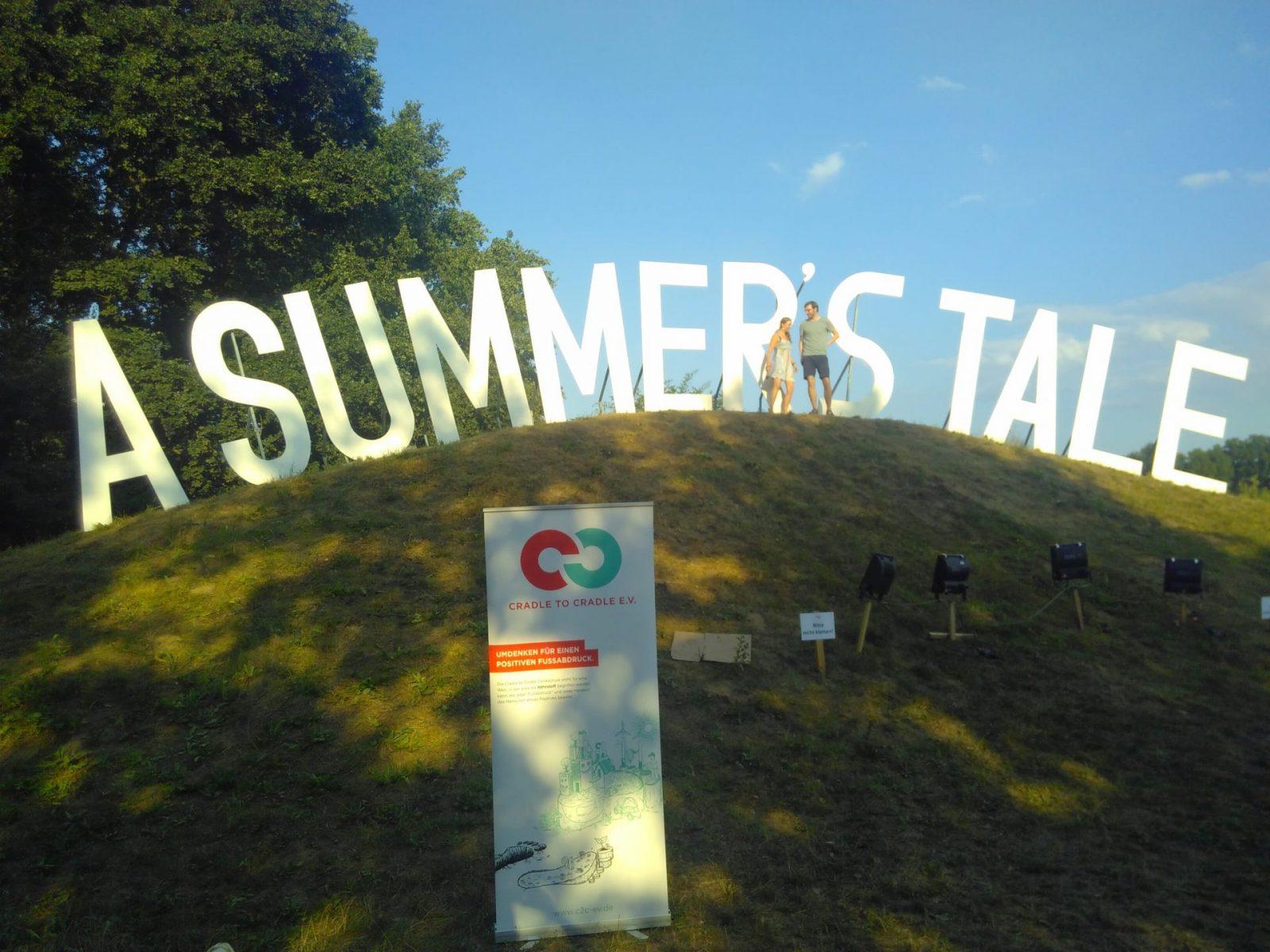 """Wiese, """"A Summer's Tale"""" - Schriftzug"""