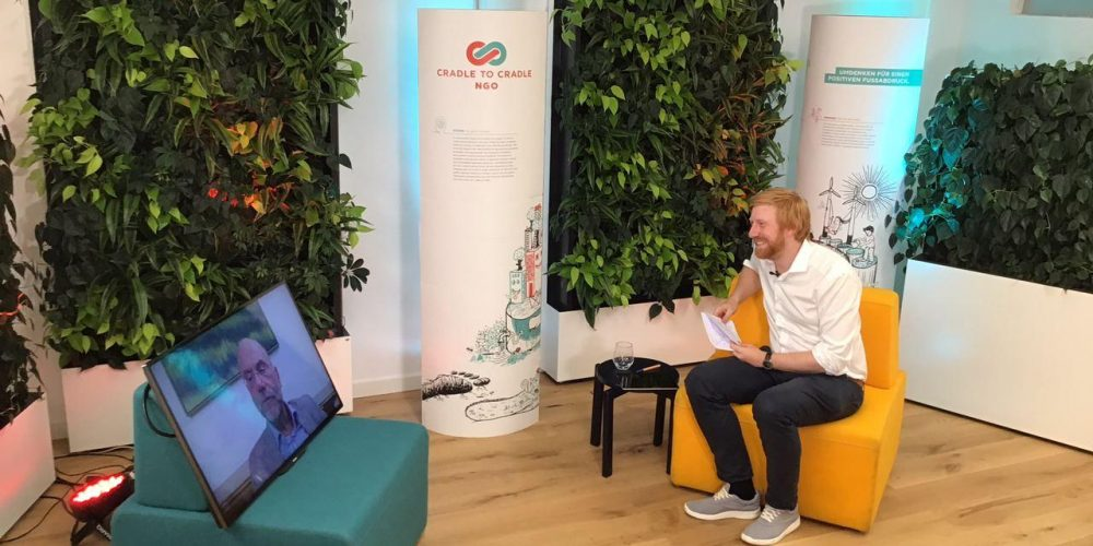Tim Janßen im digitalen Gespräch mit Cornelius Herstatt; Blog von Cradle to Cradle NGO