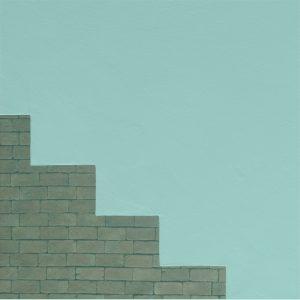 Wand mit Ziegel in Treppenform