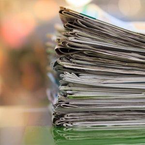stapel an Zeitungen